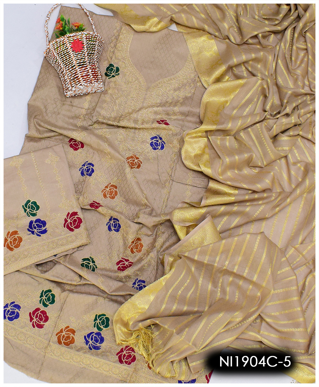 3 PCs Embroidered Lawn Un-Stitched Suits With Jackuard Lawn Dupatta - NI1904C5