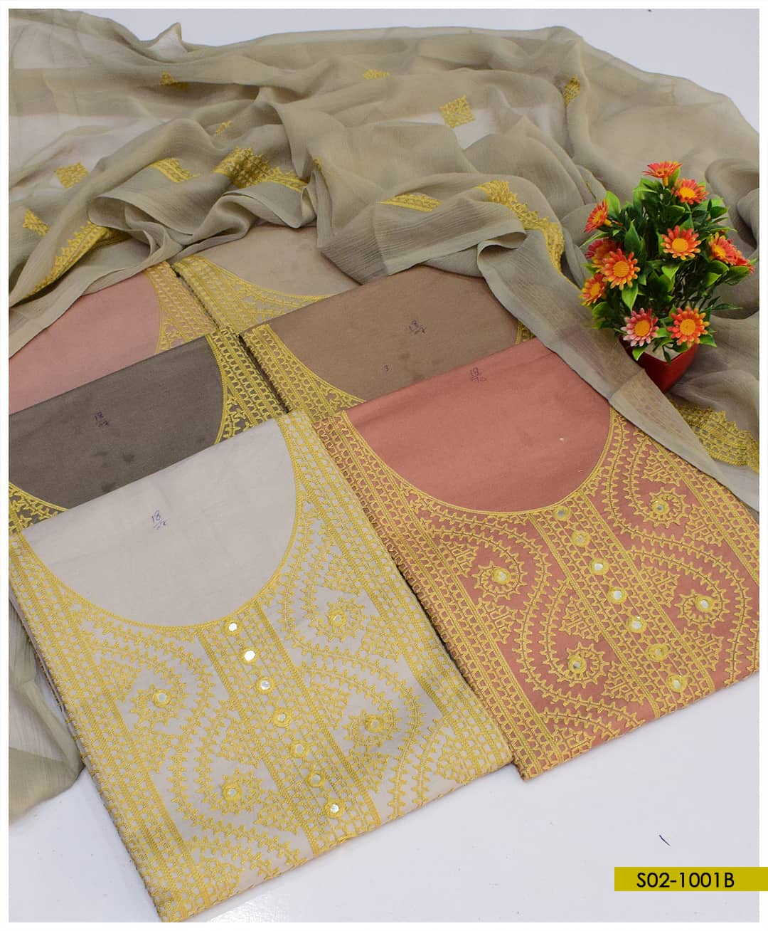 Cotton Lawn Aari Embroidered 3 PC Suits With Chiffon Dupatta- S02-1001B
