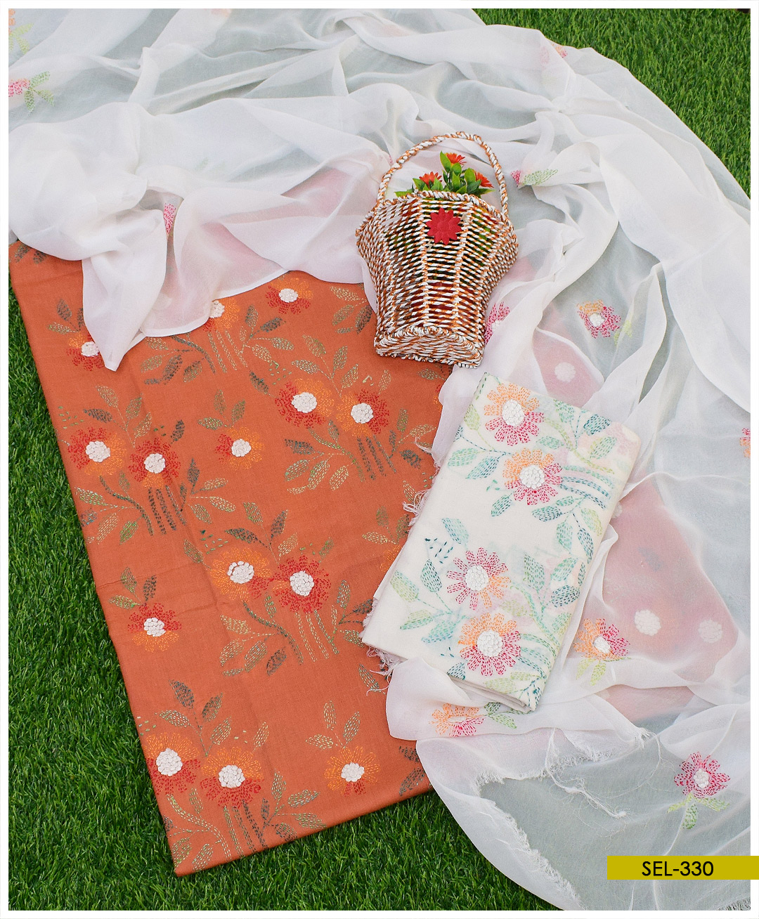 3 PCs Lawn Hand Embroidered Kachaboor Work Suits With Chiffon Dupatta - SEL330